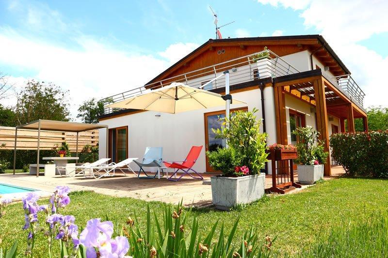 luxus villa mit pool in der toskana f r 6 personen antonella. Black Bedroom Furniture Sets. Home Design Ideas