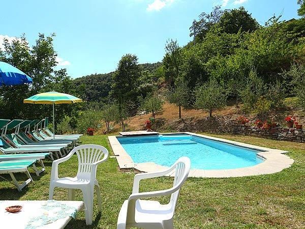 Ferienhaus in der toskana mit pool delia - Toskana garten ...