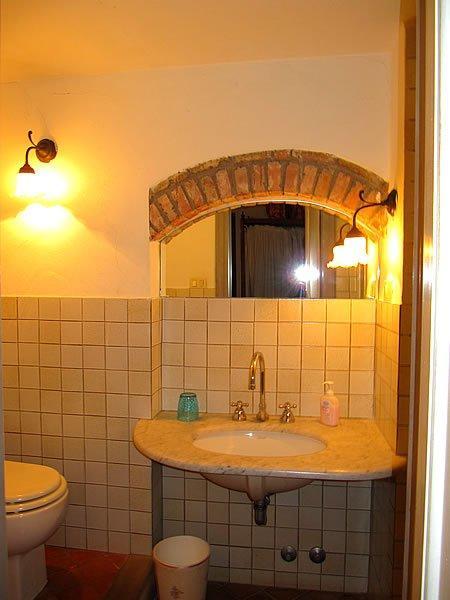 Toskana: Ferienhaus Mit Pool Renata   Bad 2