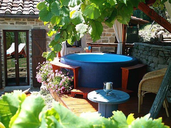 toskana ferienhaus mit whirlpool lucia in der toscana. Black Bedroom Furniture Sets. Home Design Ideas